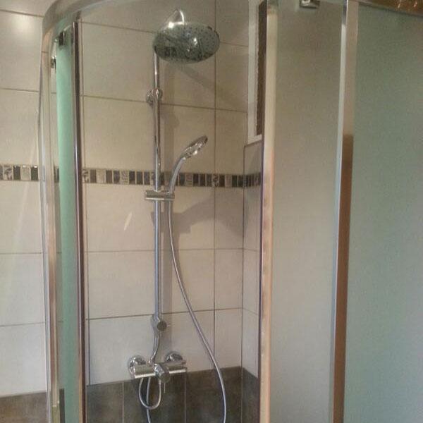 chavi 39 nergie artisan salle de bains chavigny guide artisan. Black Bedroom Furniture Sets. Home Design Ideas